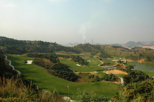 Elevation changes: the back nine at Fenghuangshan