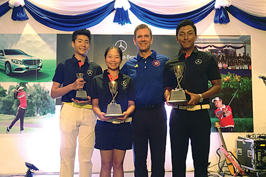 Cyrus Lee, Mimi Ho, national coach Brad Schadewitz and Leon D'Souza
