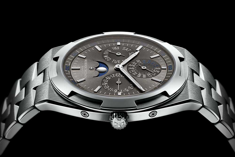 The Overseas Ultra-thin Perpetual Calendar houses the Calibre 1120 QP