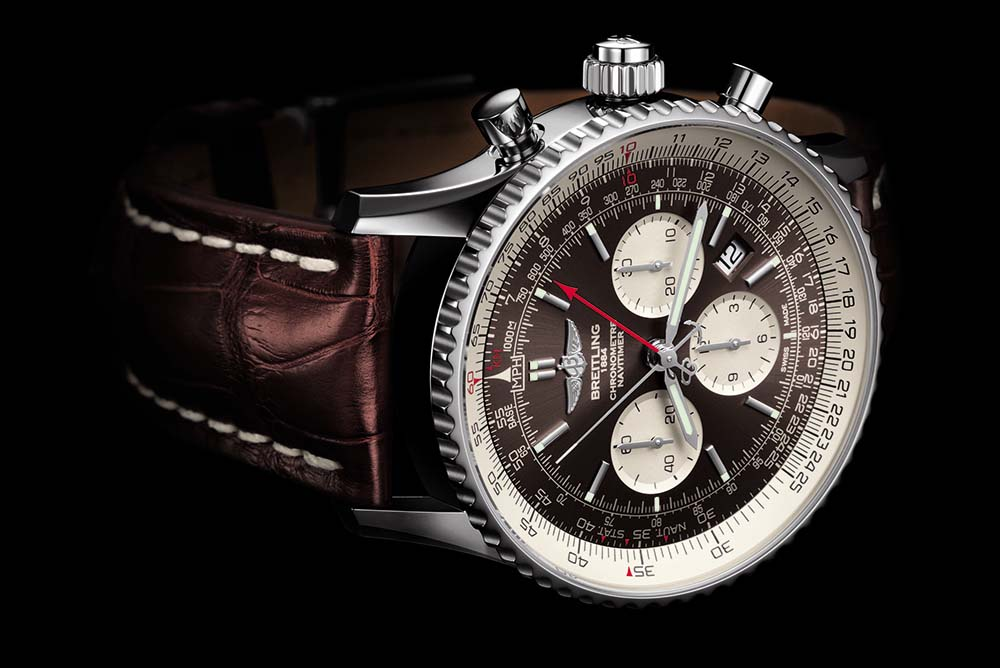 Equipped with a 45mm case, the Navitimer Rattrapante also comes in steel