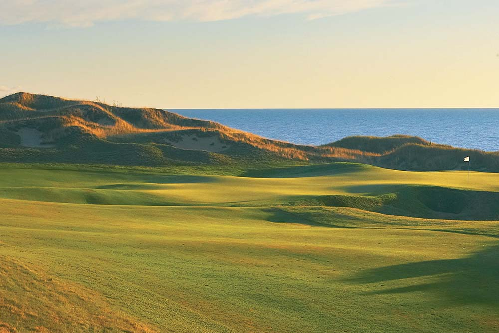 """Whistling Straits - Straits Course – Hole 6 """"Gremlin's Ear"""""""